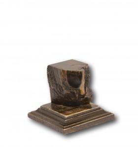 Non-Standard Plinth 32x32x40mm