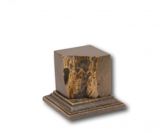 Non-Standard Plinth 38x38x45mm